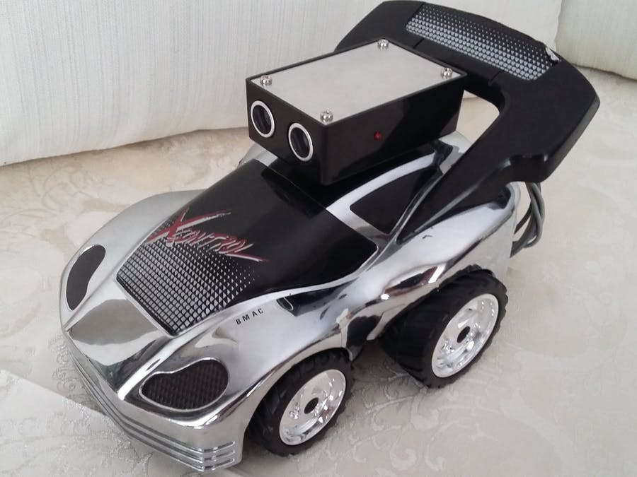 Arduino Controlled Car with HC-SR04