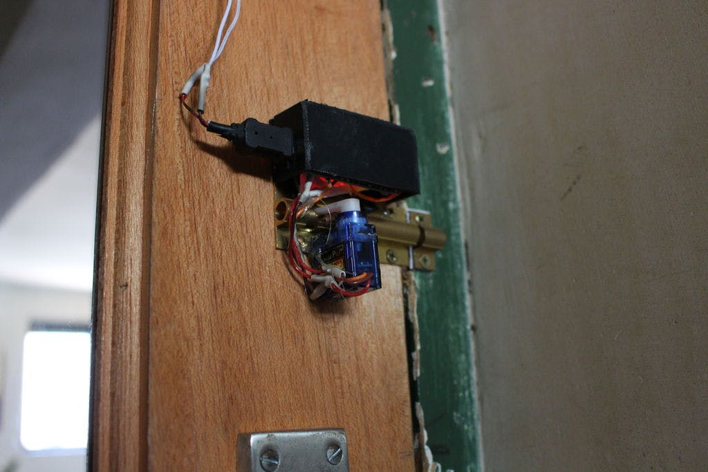 Bluetooth Door Lock (Arduino)