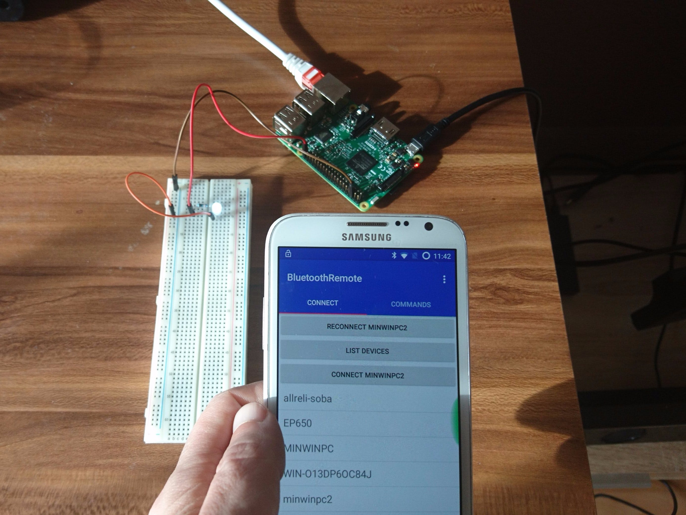Bluetooth Remote Control (Android) for Windows IoT devices