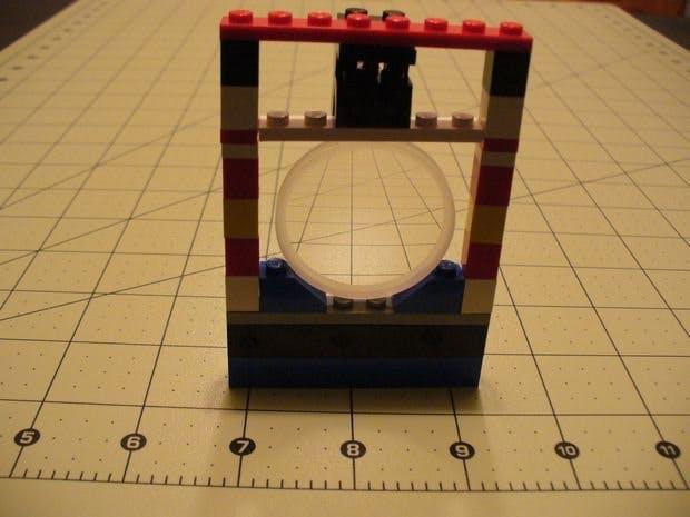 Lego Optics Lab: Large Lens Holder