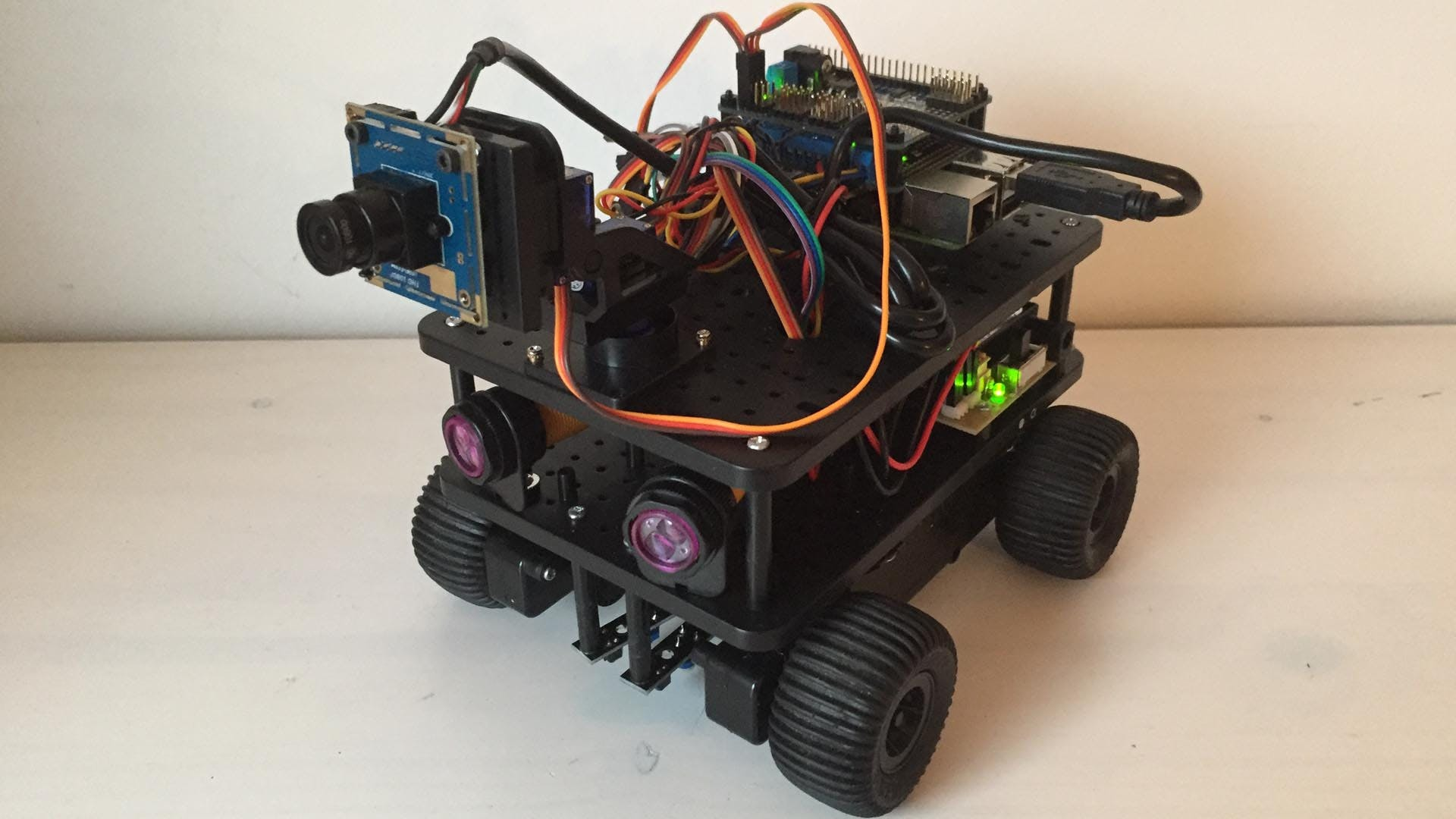 Initio from 4tronix with Camera (ELP-USBFHD01M-L28)