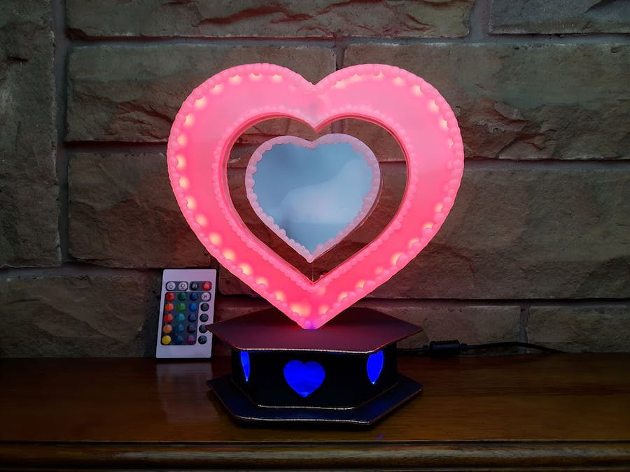 Broken LCD Recycled into Heart Mood Light