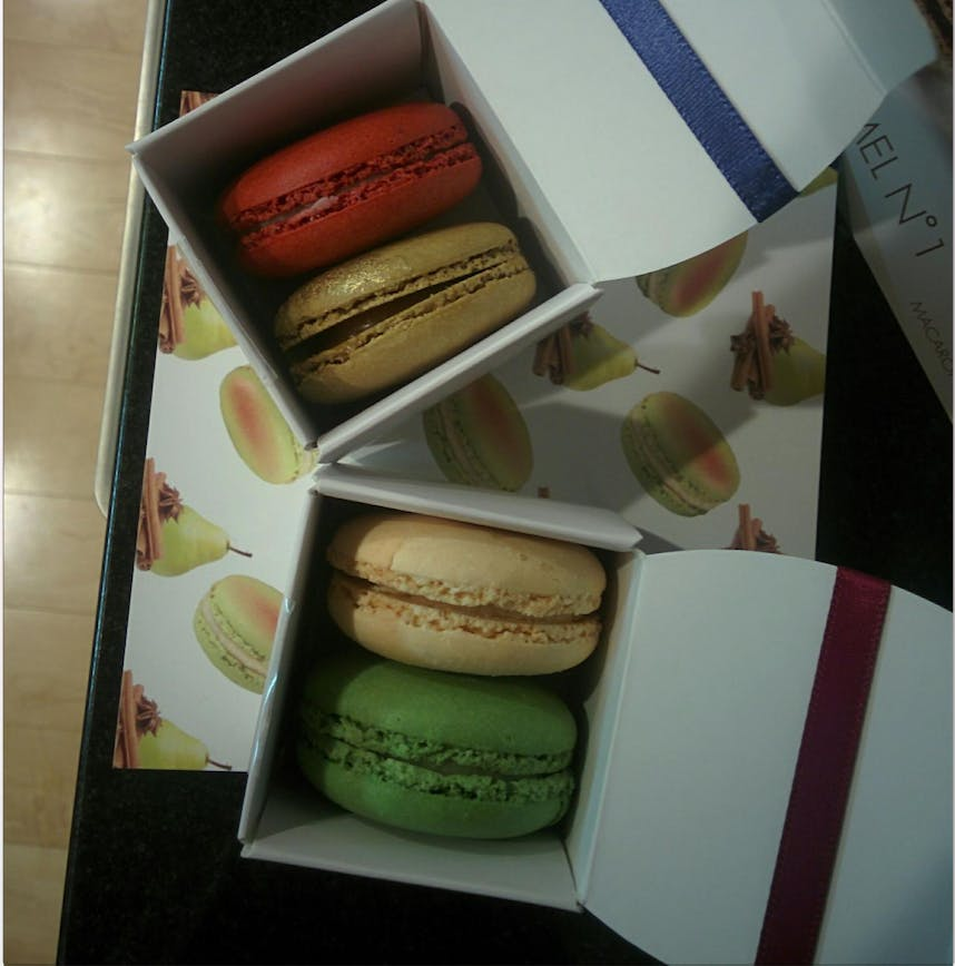 incredible macaroons delivered by Spoil.co
