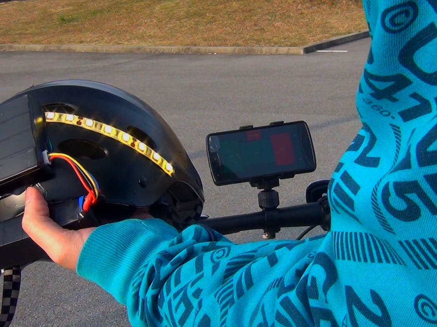 Smartphone-Controlled Helmet with LED Turn Indicators