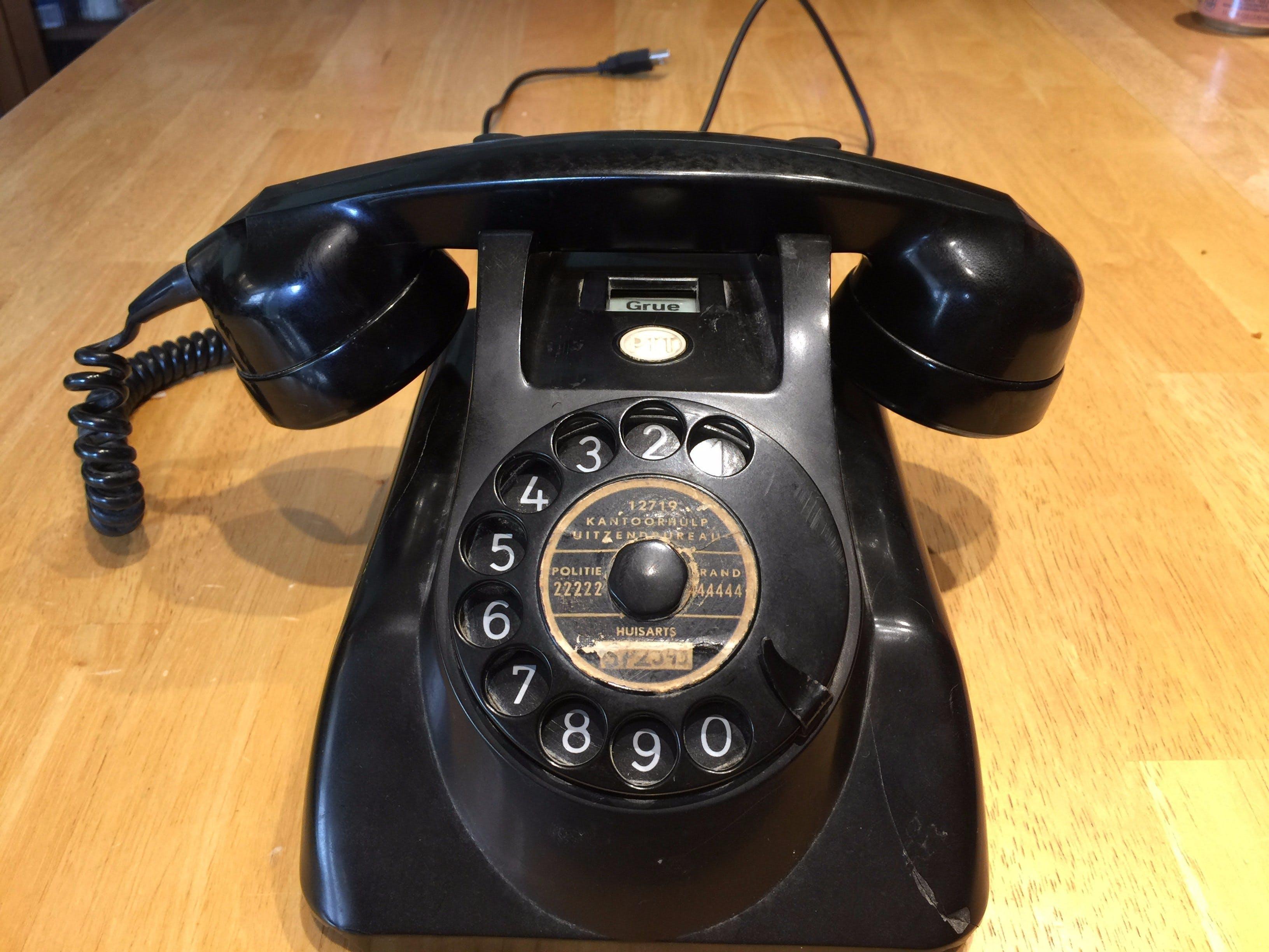 Dial a Grue