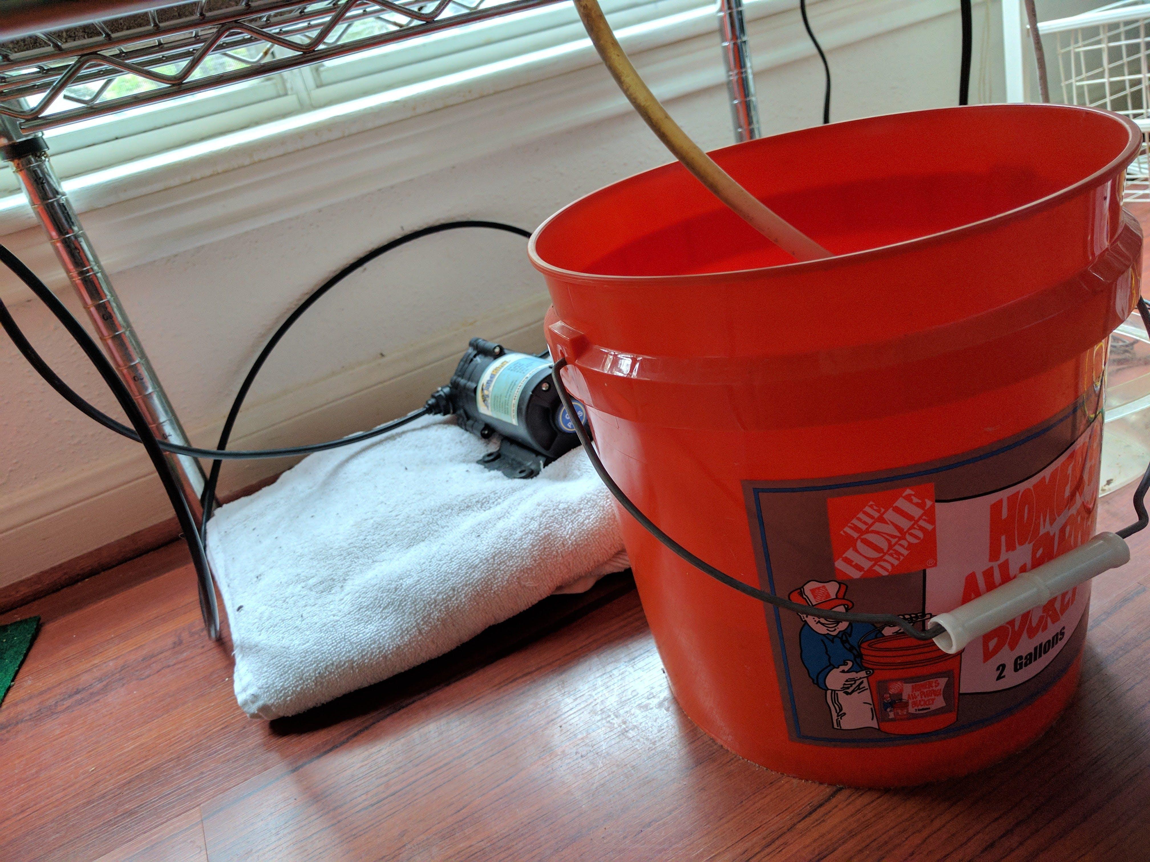 Drain bucket
