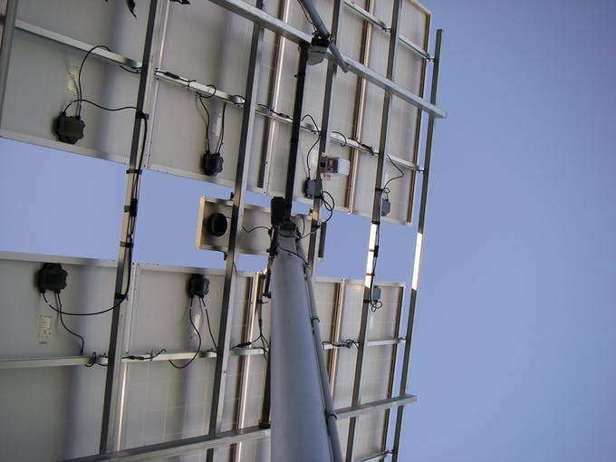 """Mounting of the Gyro Enclosure under the panels - """"pony"""" panel in the middle"""