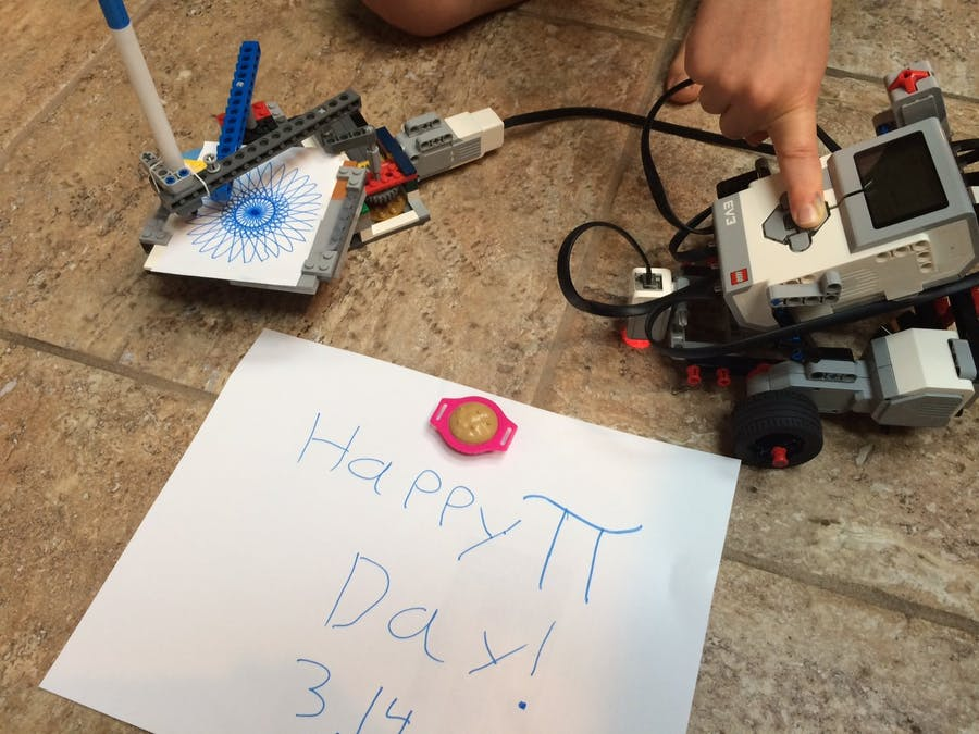 Home-made sPIrograph Robot