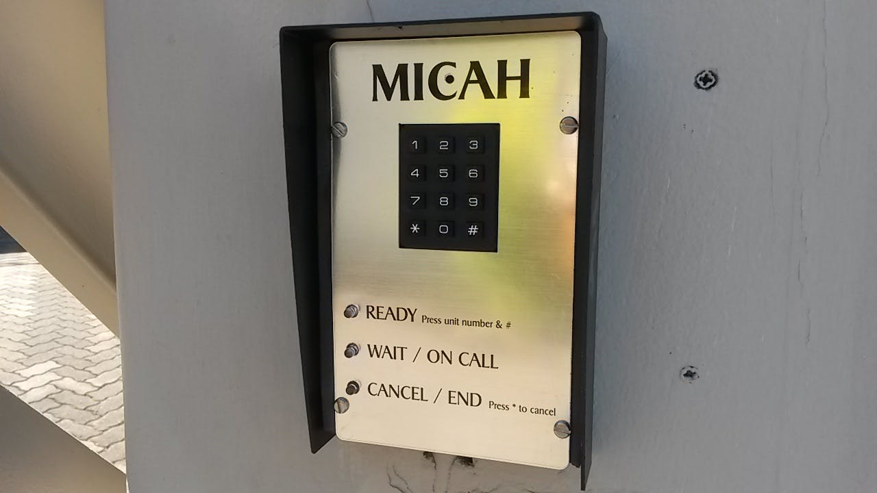 Apartment / villa style multi user intercom system