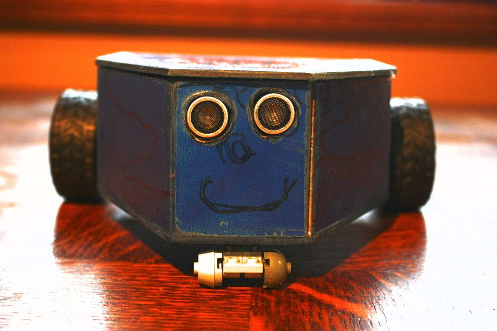Transformer's Baby - Arduino Avoiding Obstacle Robot