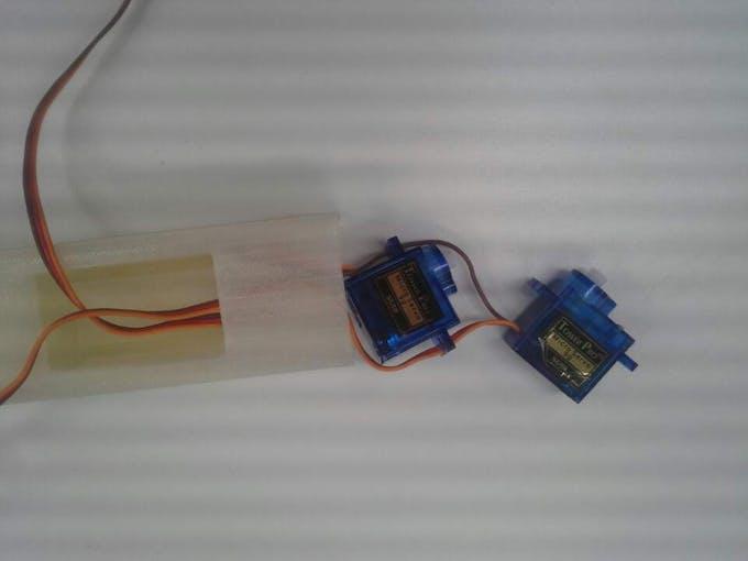 2 servo motors should be connected.