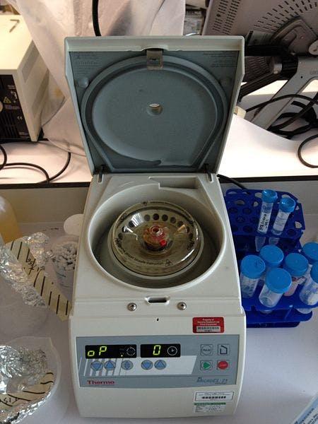 Laboratory Centrifuge (Wikipedia)