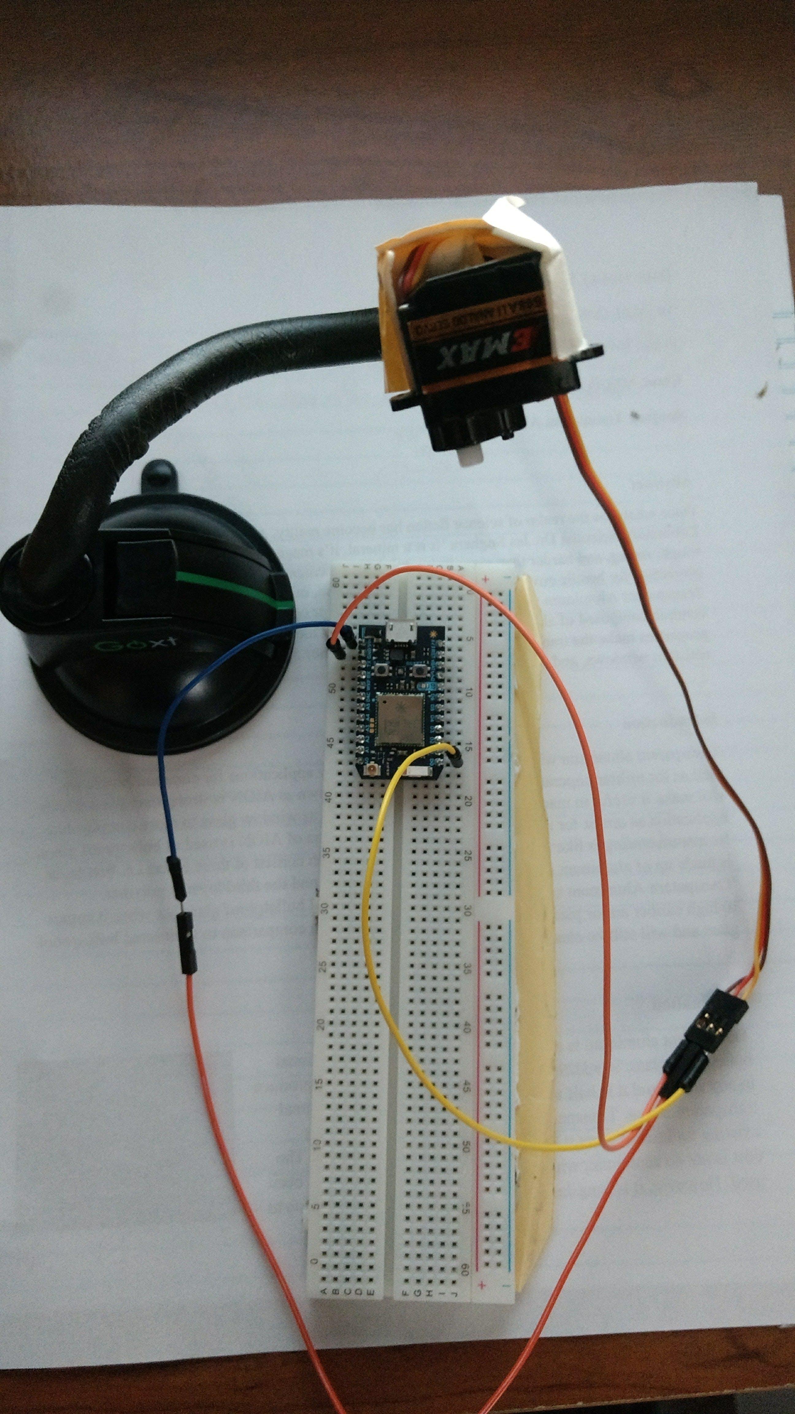 Servo motor and subscribing photon
