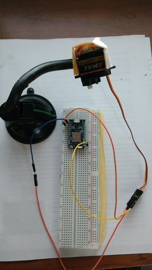 Servo motor and subscribing photon
