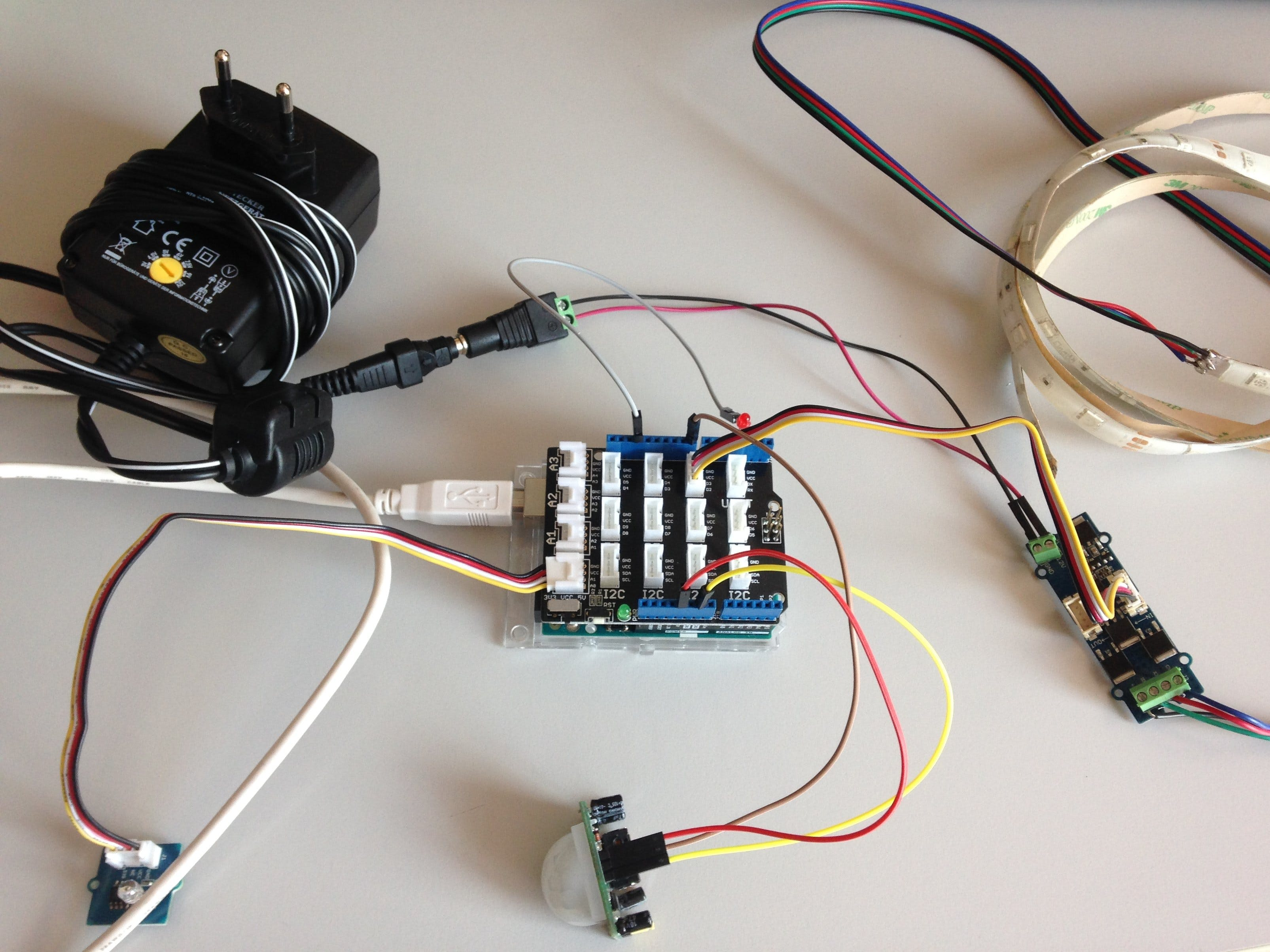 PIR-Sensor Activated RGB Strip Controlled by Uno R3