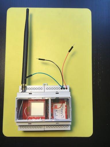 CC1310 as an Industrial DIN Unit with External Antenna
