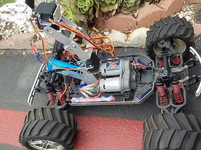 4x4 Truck with a robot arm Bluetooth Controlled!