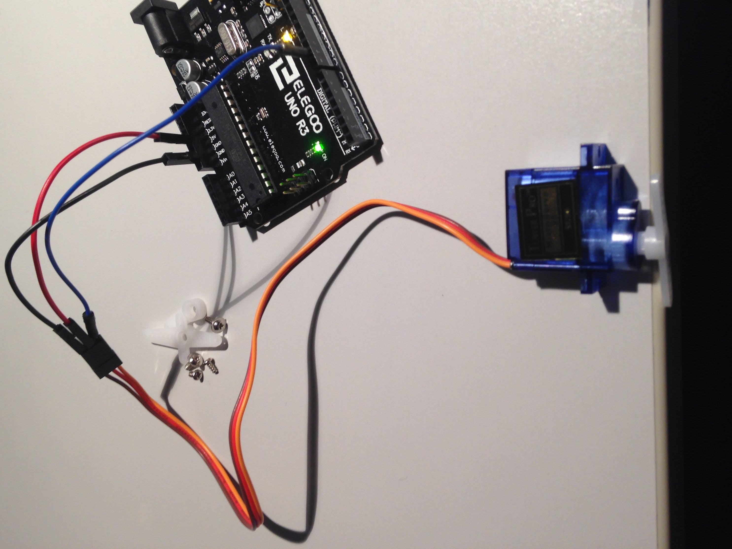 First Test: Super StarterKit From Elegoo - Servo-Motor