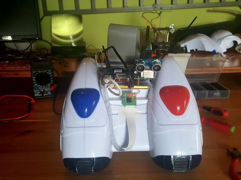 Phil05: A Raspberry Pi Robot
