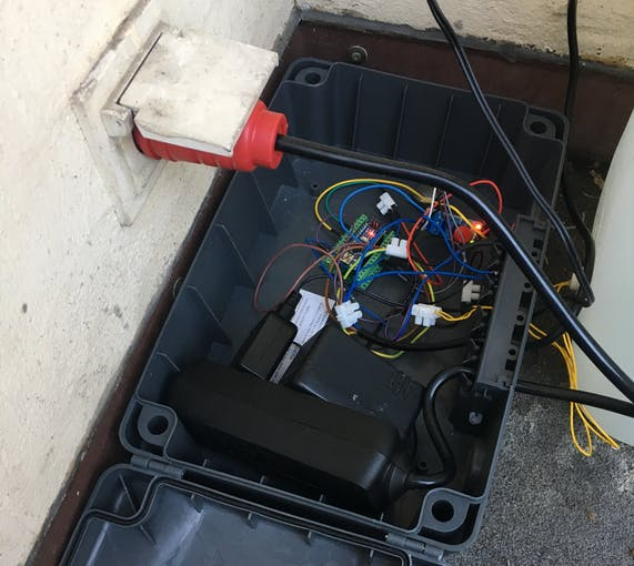 Picture 2: Weatherproof electric box