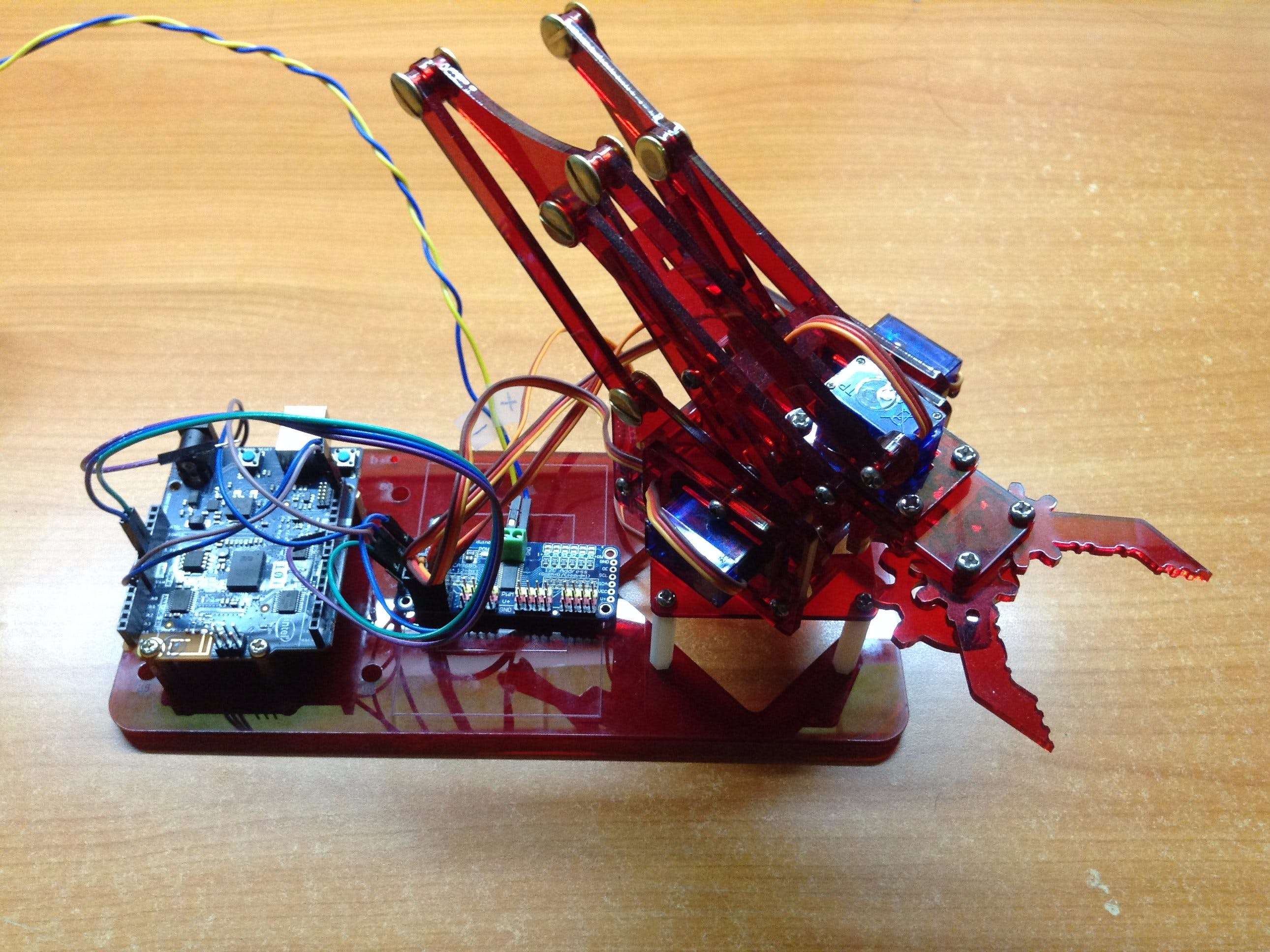 Control Mearm with Arduino 101 and Android Phone