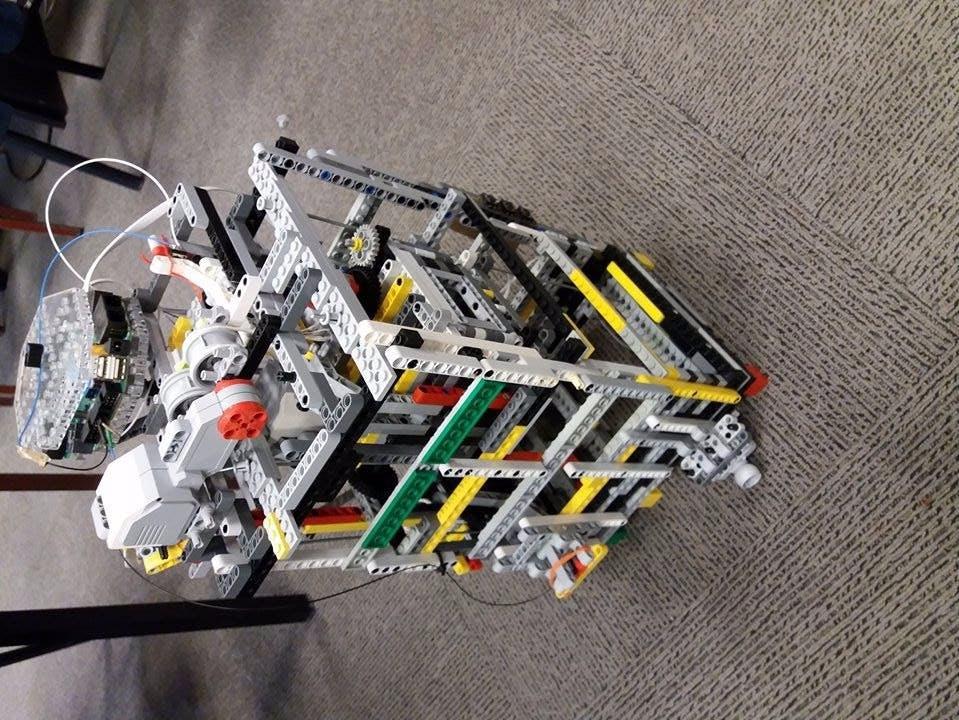 Lego Mindstorms  Elevator