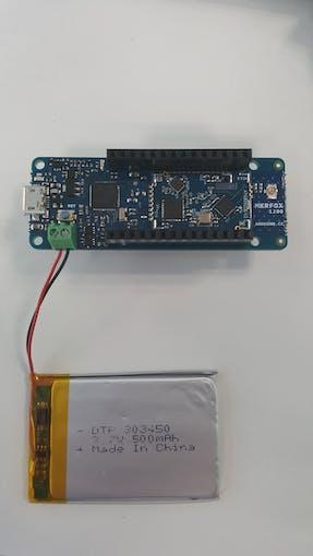 Arduino MKRFox1200 and LiPo battery