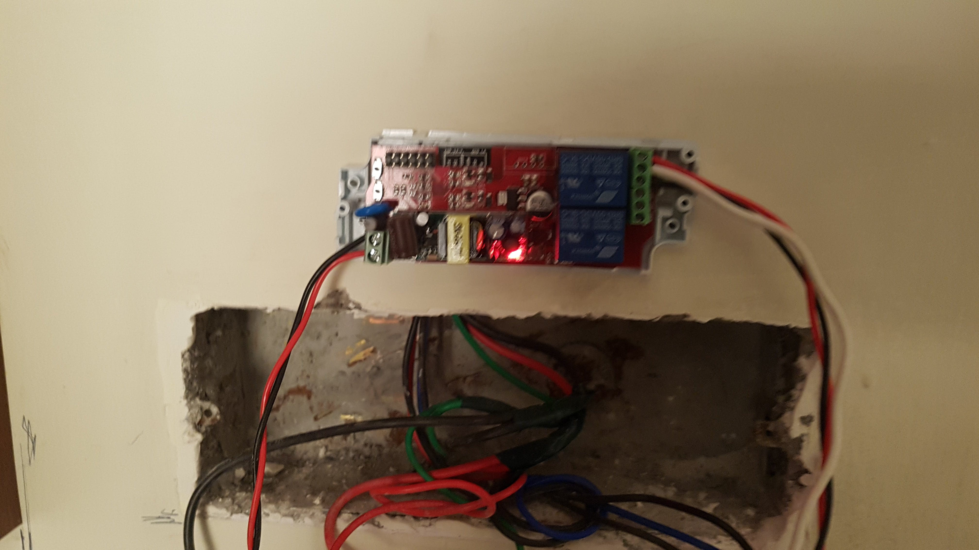Electrodragon relay connected to the switch board. BEWARE 220 V !!! :)