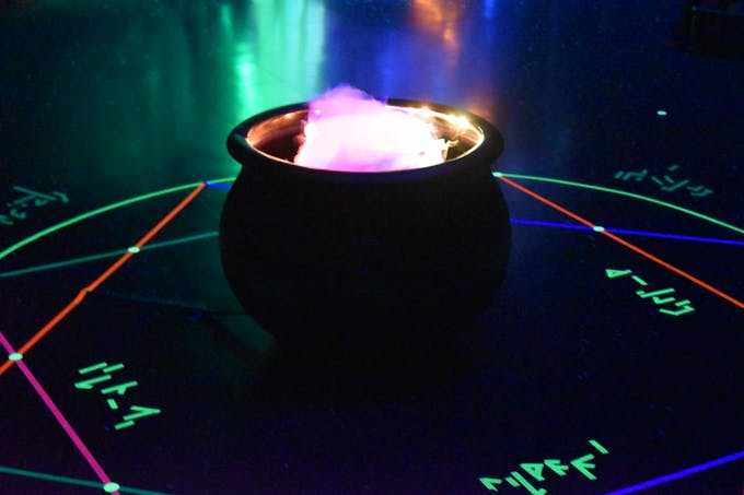 cauldron with Arduino-controll RGB LED