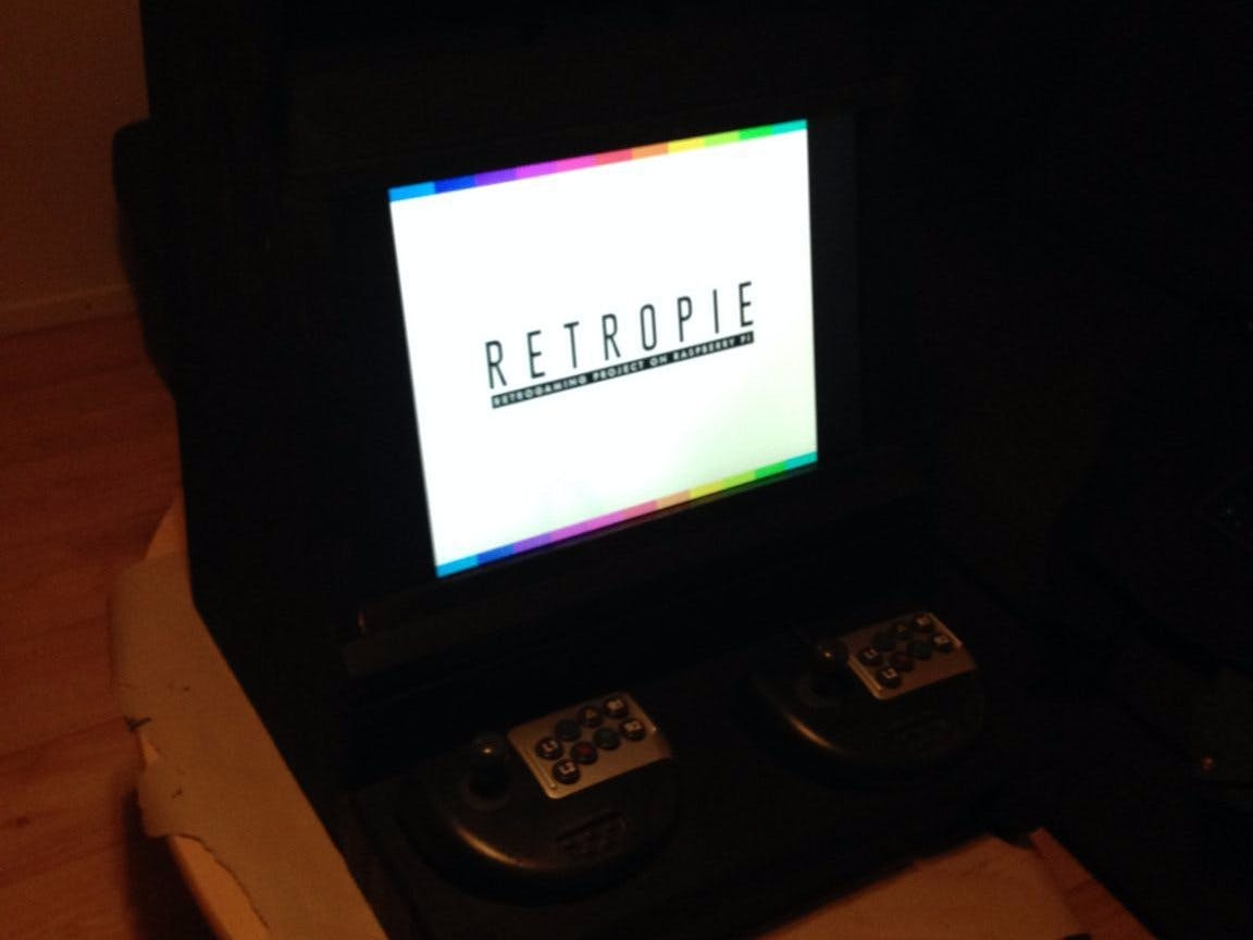 Arcade Machine with Raspberry Pi