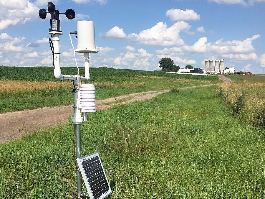 Building a low-cost, cloud-connected weather station