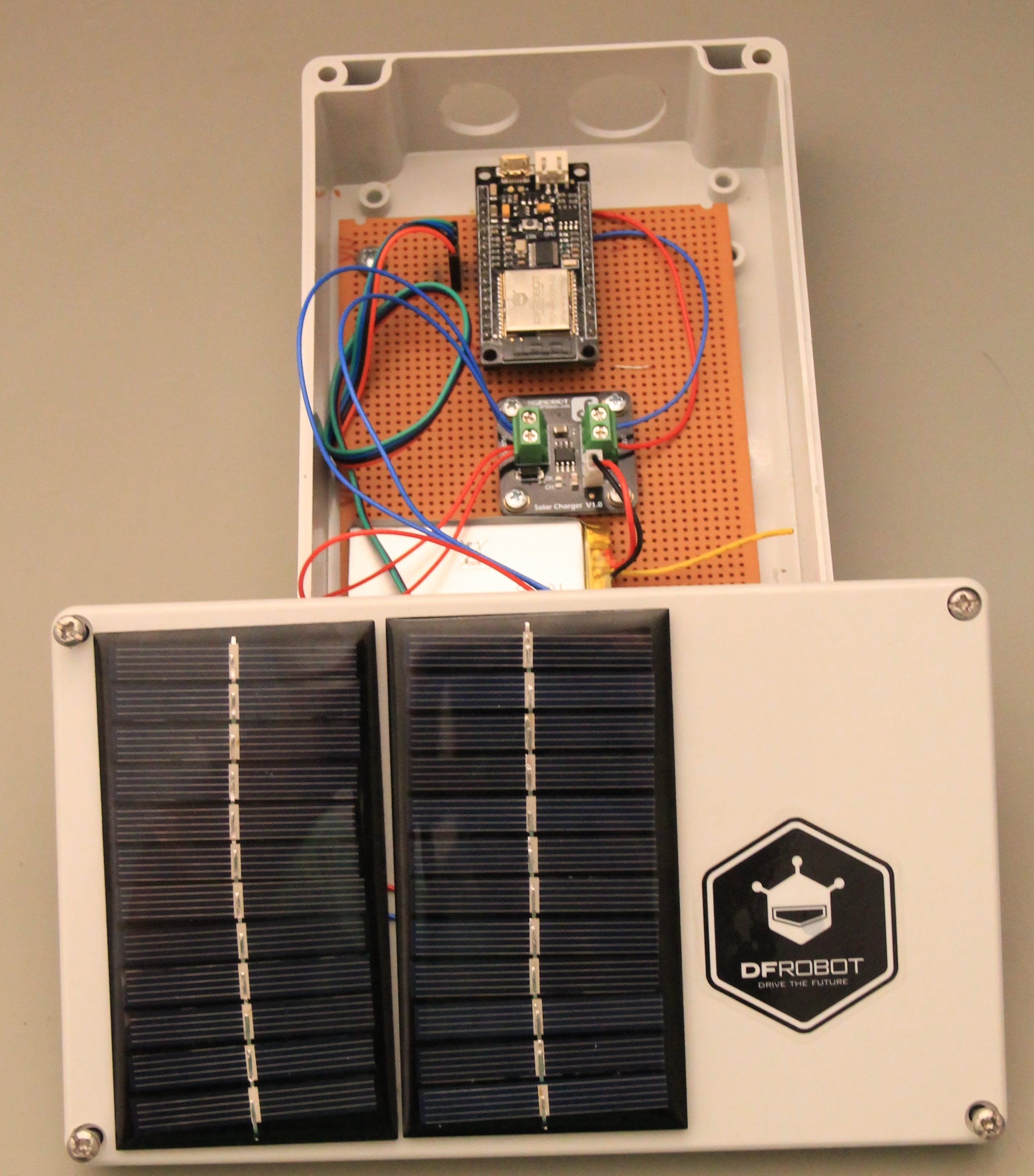 Solar cells mounted