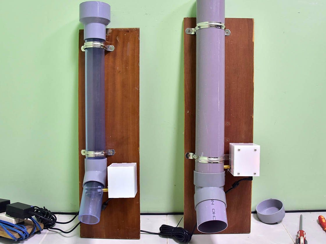 Automatic pet feeder by water pipe controlled via Internet