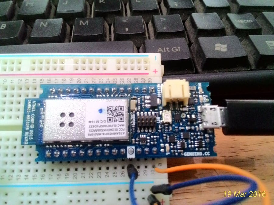 Unboxing Genuino/Arduino MKR1000 dan Mplab Express Evalboard