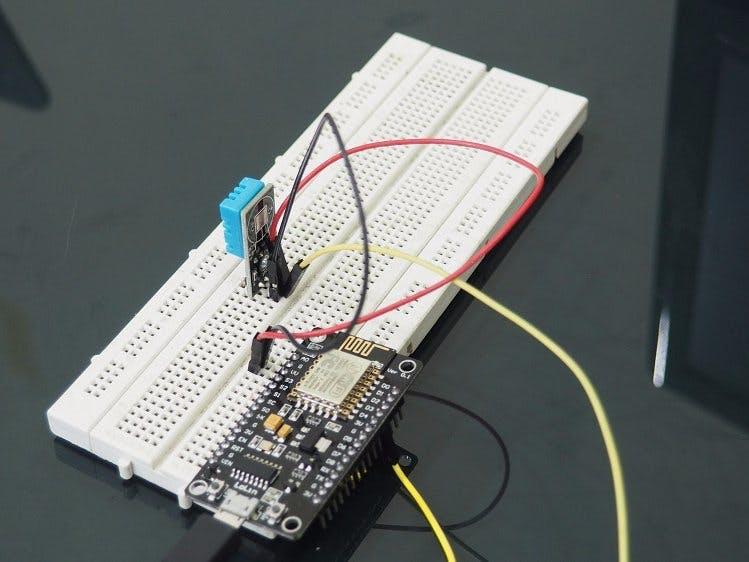 Kolektor Data Suhu Berbasis NodeMCU ESP8266 dan AgnosThings