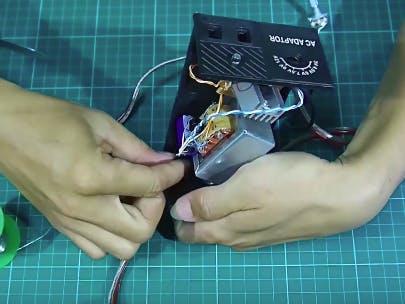 Adaptor Tegangan Dinamis