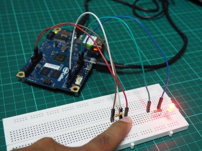 Kendali LED dengan Tombol Menggunakan Galileo