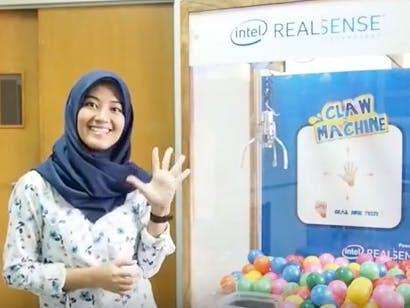 Claw Machine dengan Intel Realsense