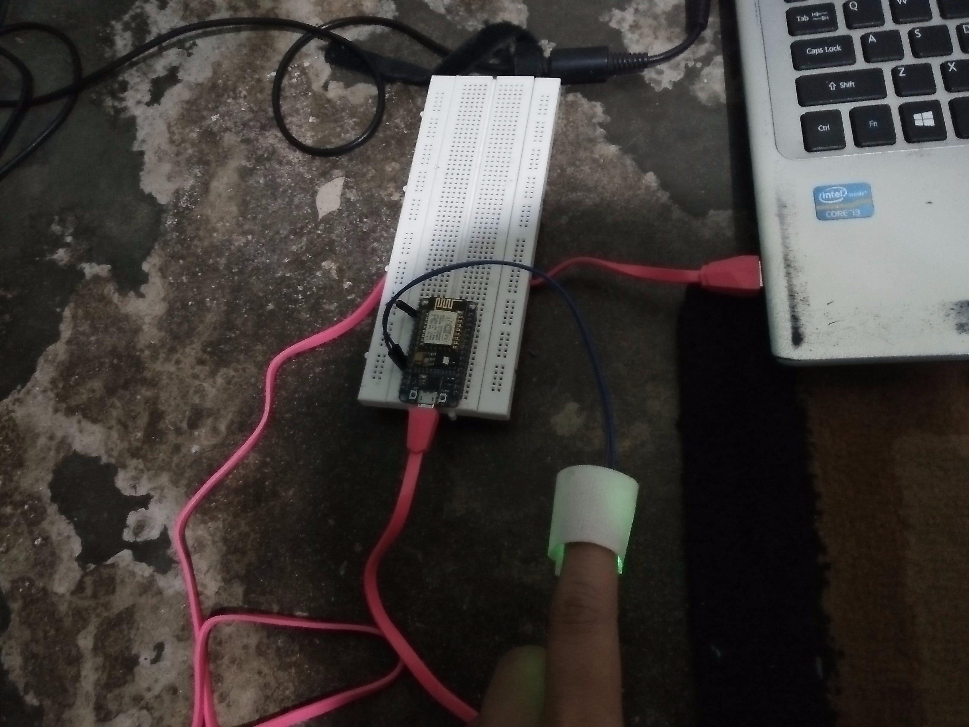 heartbeat monitor dengan nodemcu + pulsesensor