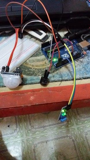 Contoh Rangkaian Arduino