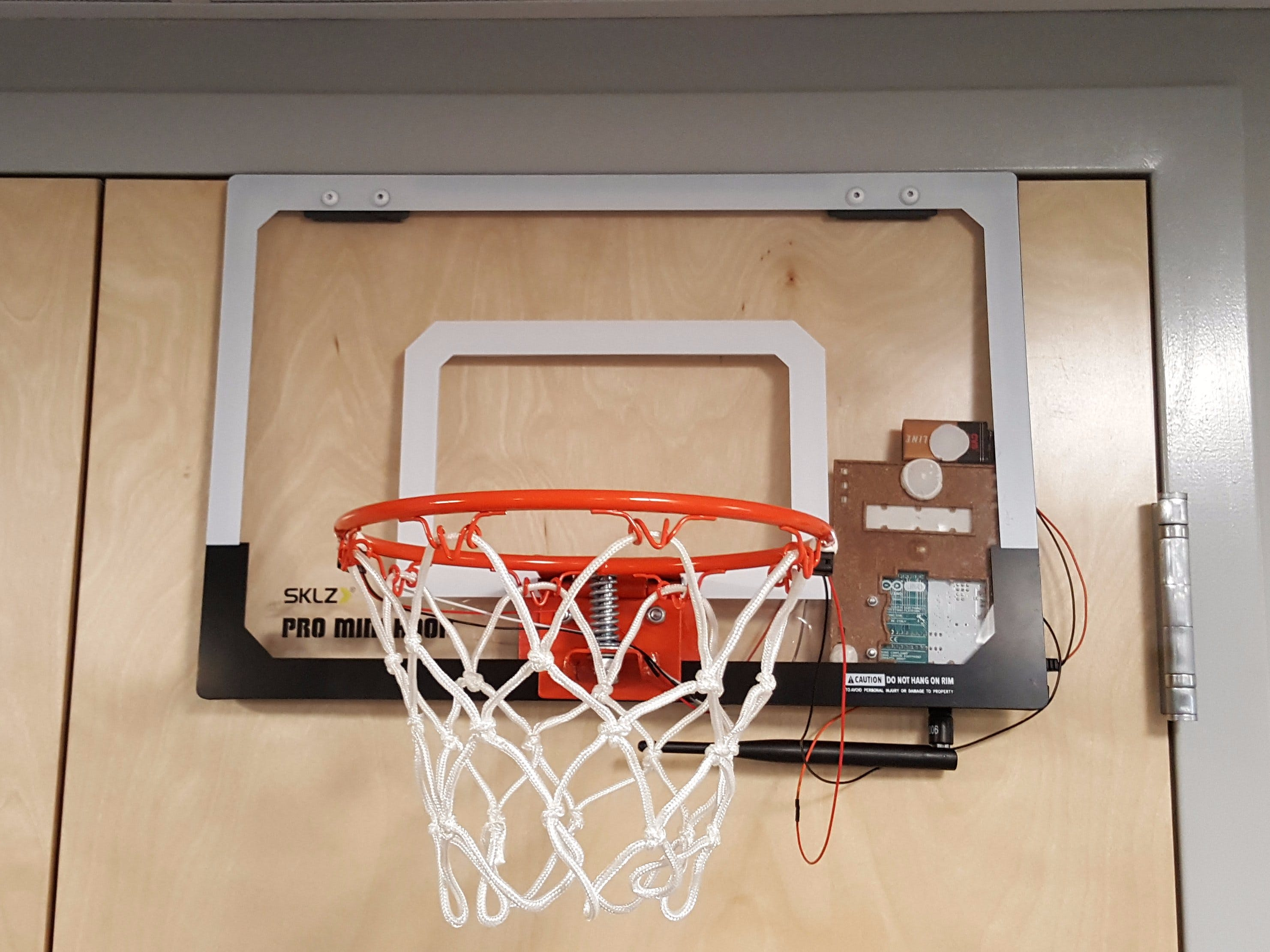 Sigfox-Connected Basketball Hoop