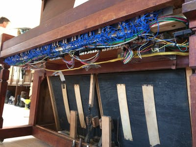 Bluetooth MIDI-Operated Antique Reed Organ