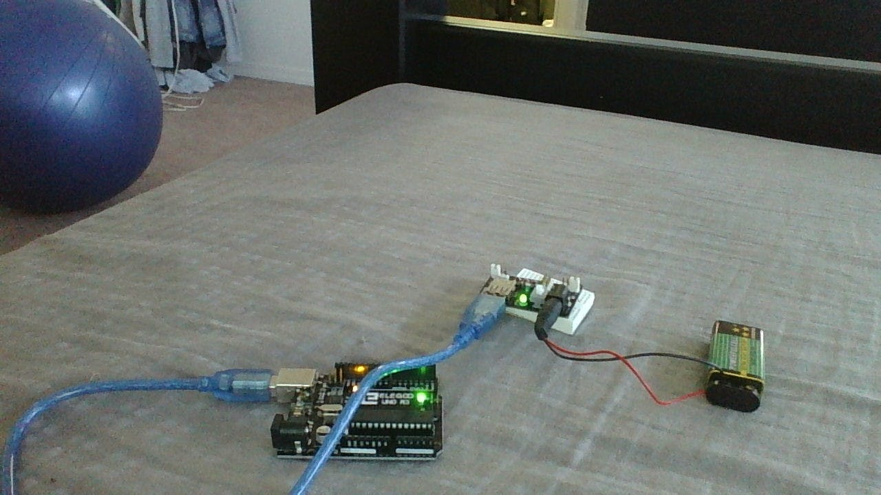 usb battery for arduino (no programming and really easy)