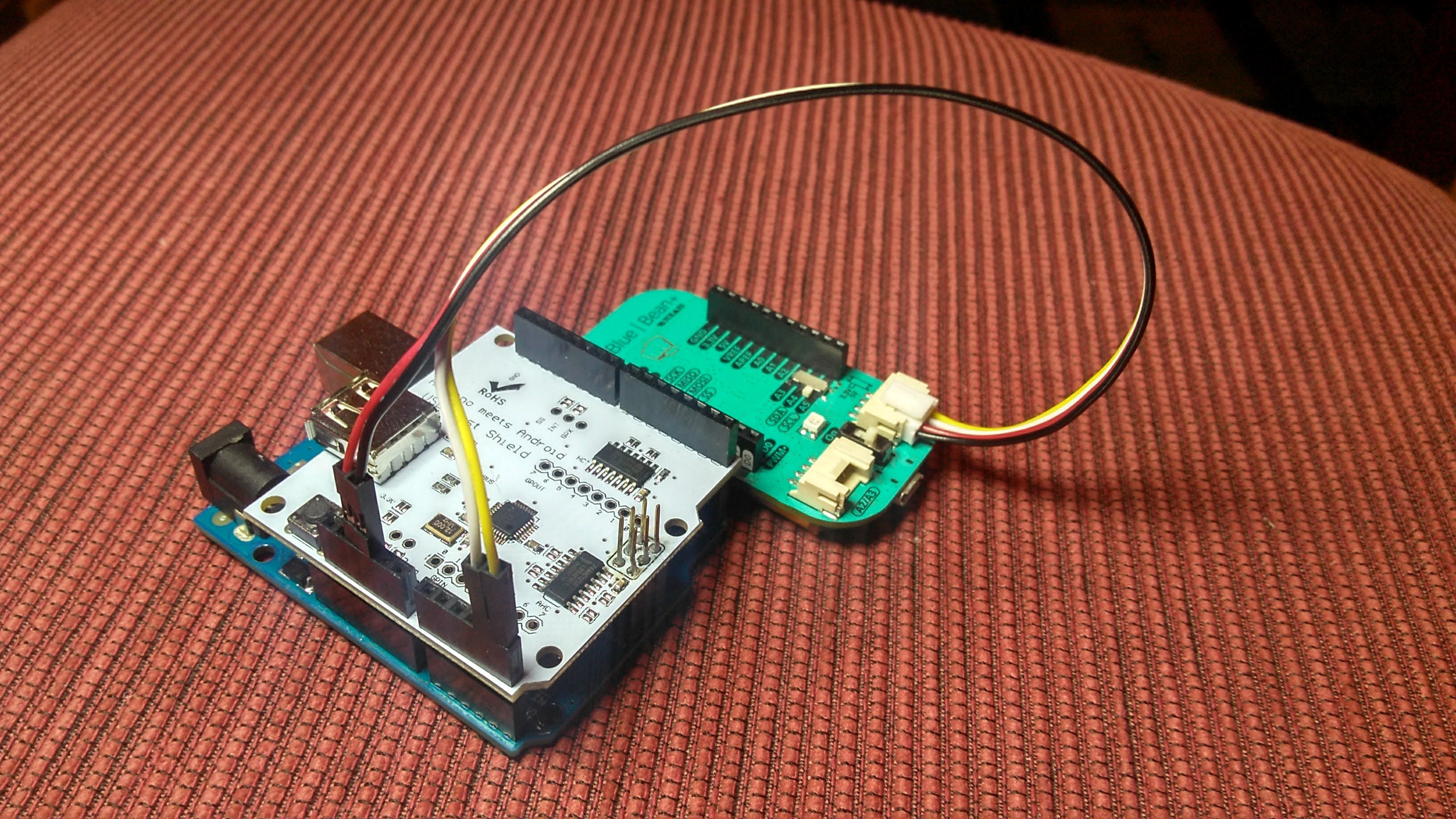 Arduino Uno + USB Host Shield + LightBlue Bean+