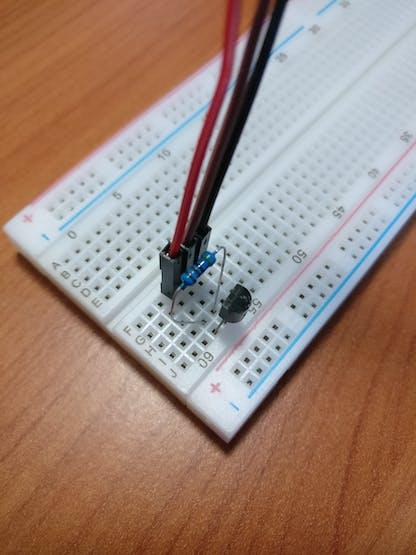 Temperature sensor connection