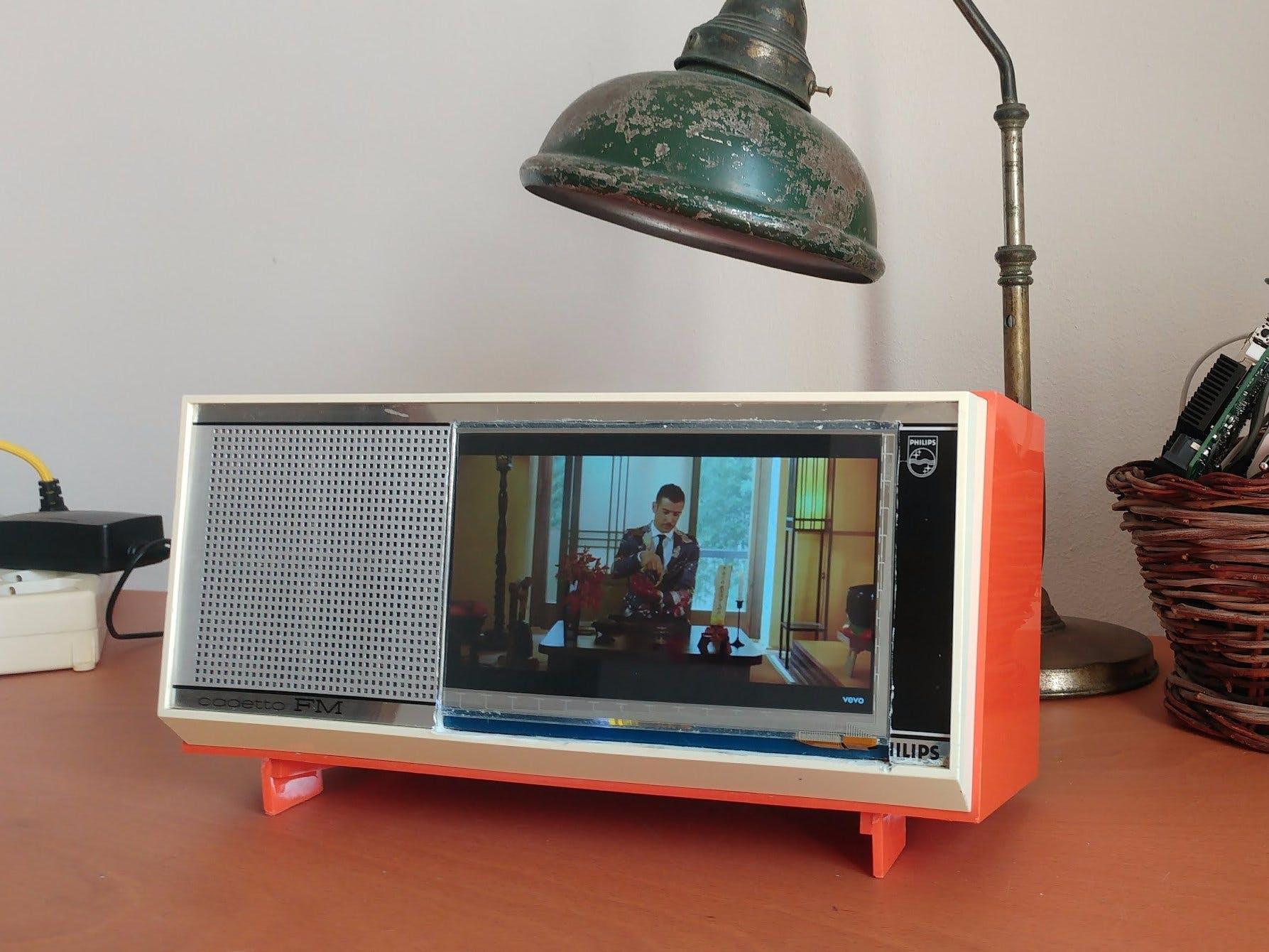 UDOO X86 Interactive Vintage Radio