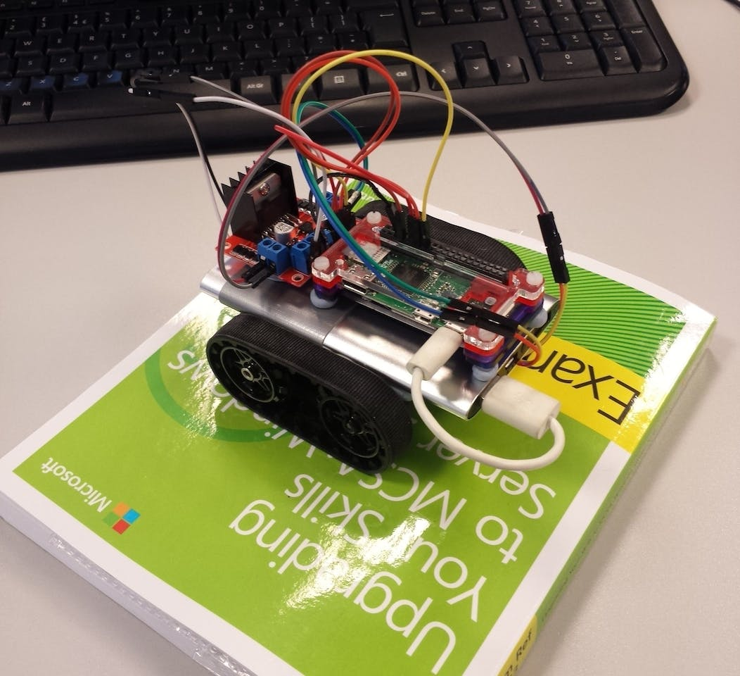 Learning And Building A Raspberry Pie Robot Powered Usb Hub Circuit Diagram Rpi Hubs Elinuxorg