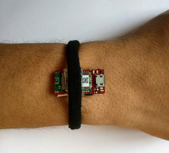 Sensor Hub Nano attached to my hand