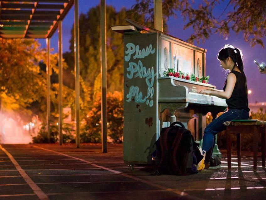 Piano Push Play