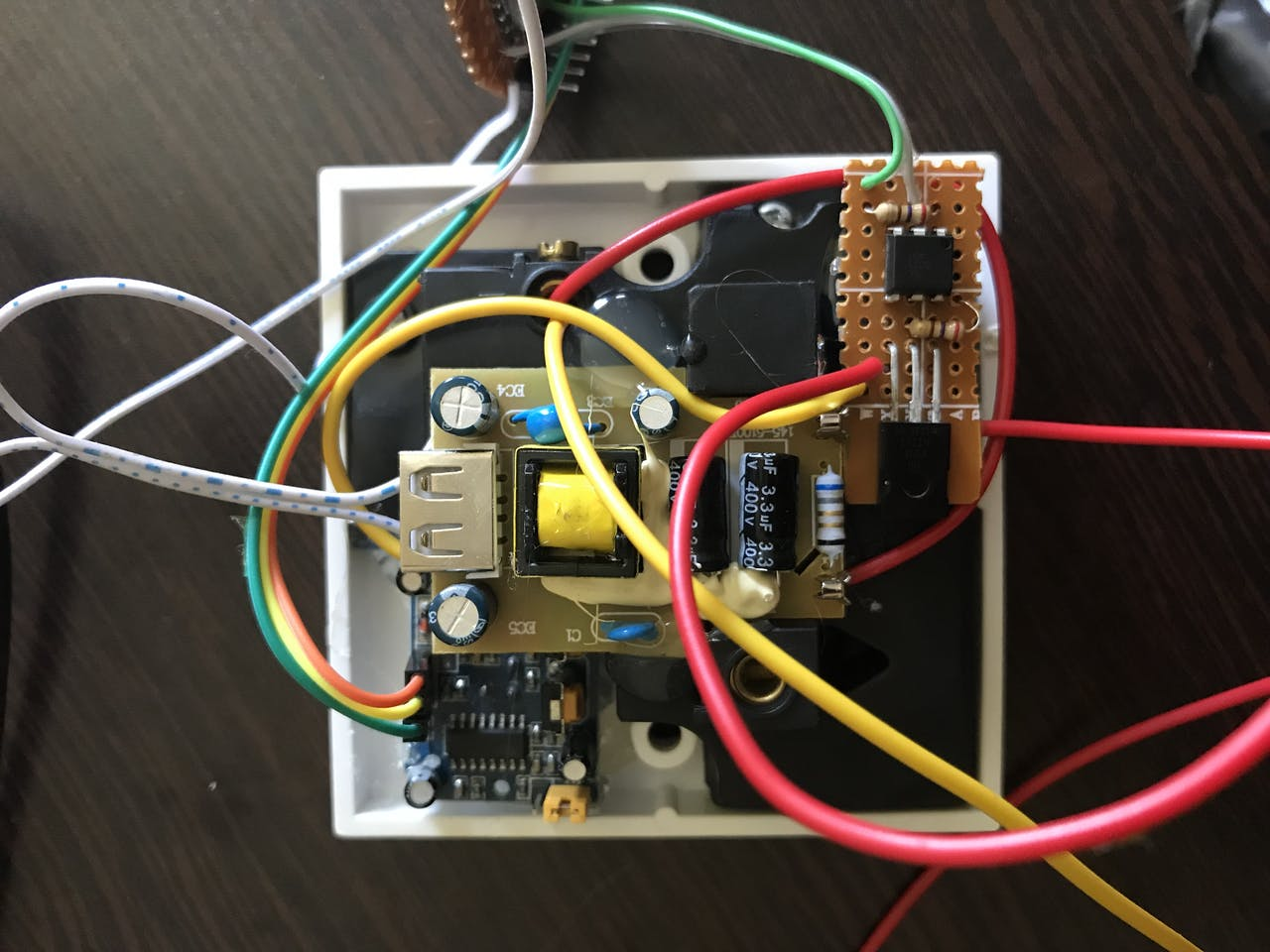 Smart Plug From The High Voltage Triac Circuit Using An Optocoupler Module Chip